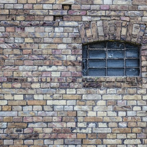 window-484596_1920