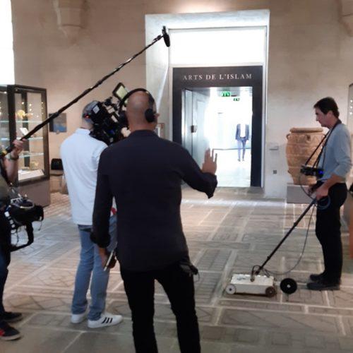 Musée du Louvre : tournage de RMC Découverte au lerm